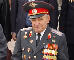Л.Хитрин
