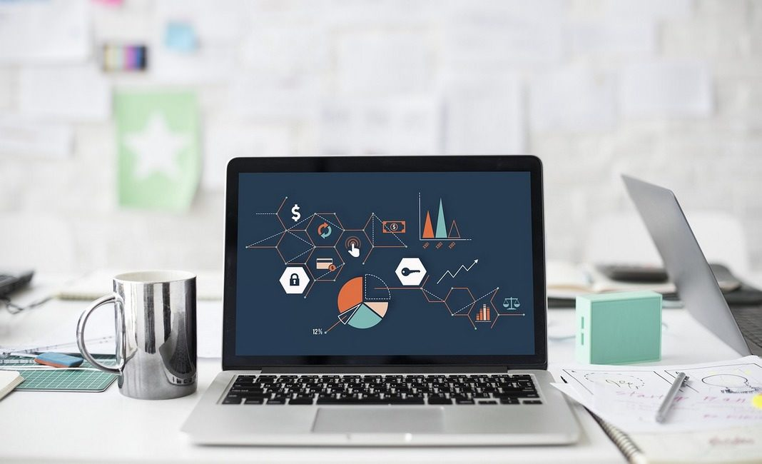 ноутбук, цифровая экономика, графики, digital
