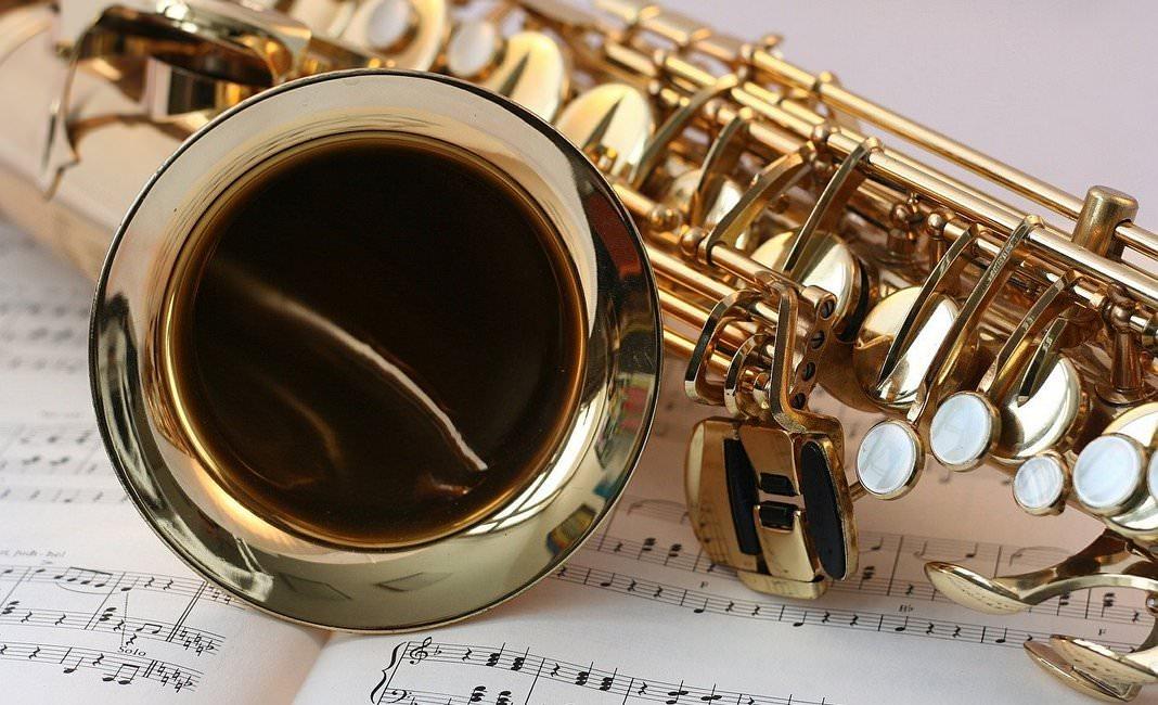 саксофон, музыка