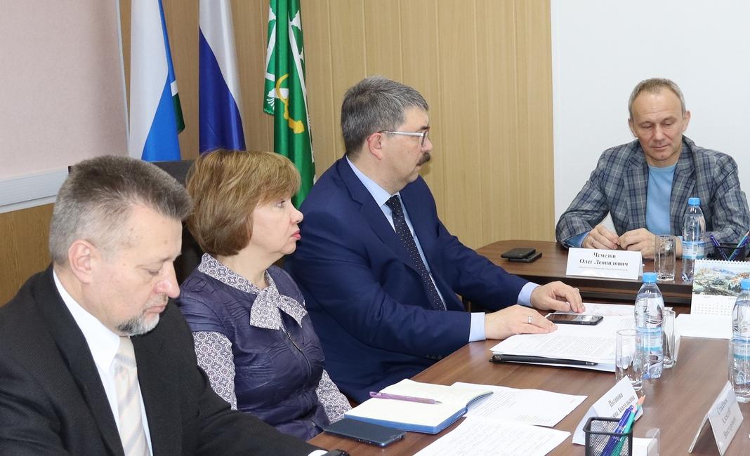 заместитель губернатора Свердловской области Олег Леонидович Чемезов